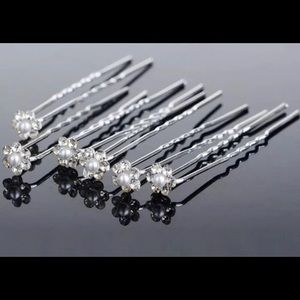 One pack of 6  units pearl rhinestone hair pin